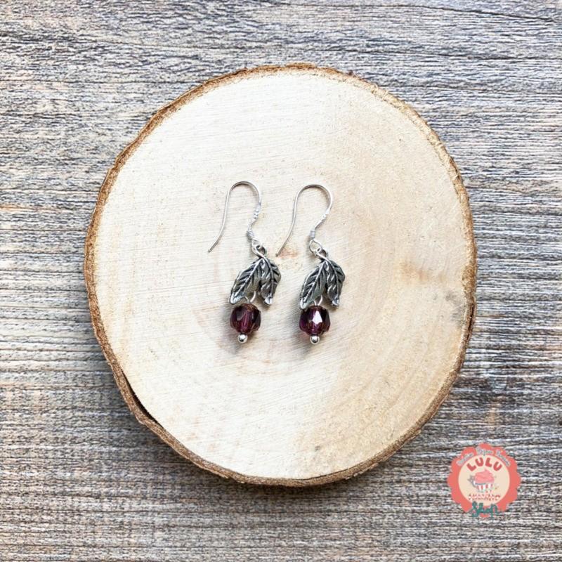 Boucles d'oreilles Petites Feuilles Grenat